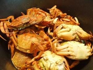 Kog 10-15 almindelige strandkrabber til alletiders fiskesuppe.