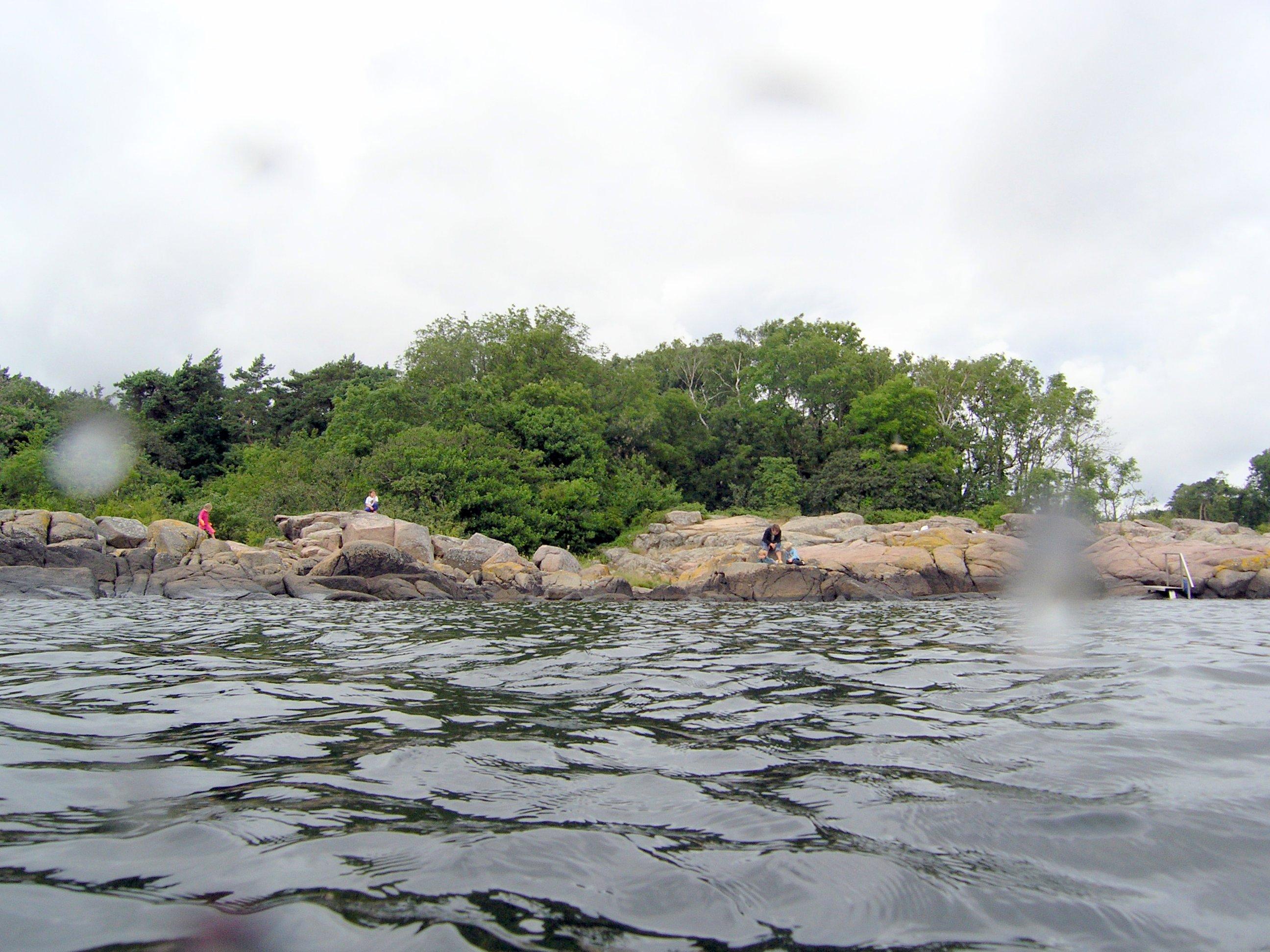 De Borholmske klipper er flotte at snorkle fra.